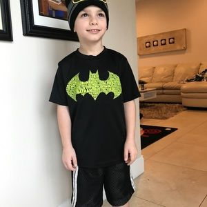 Batman T-shirt shirt size 6
